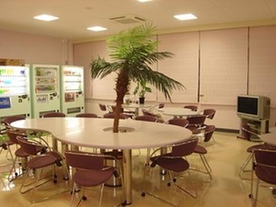 ニードスポーツセンター談話室 (クールシェアスペース)