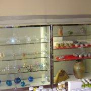陶芸・ガラス工芸作品展示コーナー【山梨の観光立ち寄り温泉−つむぎの湯】